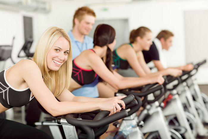 cardio for weight loss-cycling in gym