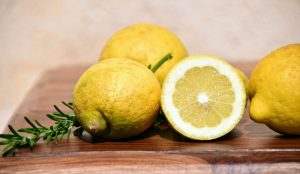 fruits for weight loss-lemon3