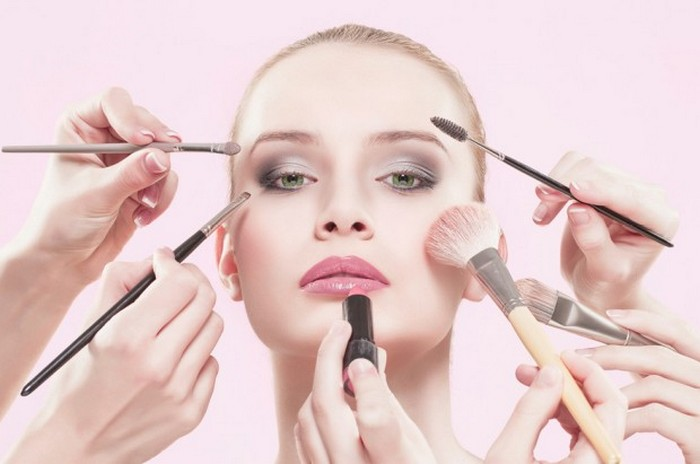 Oil-free-makeup-products-to-reduce-pimples-during-pregnancy