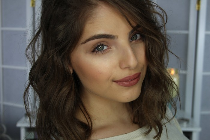 Short Hair - Well Defined Waves